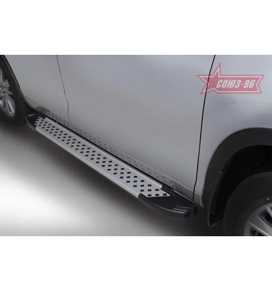 Пороги алюминиевый профиль на Toyota Highlander TOHR.83.5064