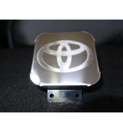 """Заглушка на фаркоп с логотипом """"Toyota"""" TCUZTOY1"""