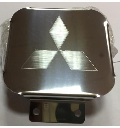 Заглушка на фаркоп с логотипом Mitsubishi