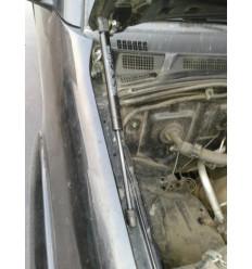 Амортизатор (упор) капота на Toyota Fortuner KU-TY-HX00-00