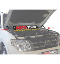 Амортизатор (упор) капота на Mitsubishi Pajero UMIPAJ012