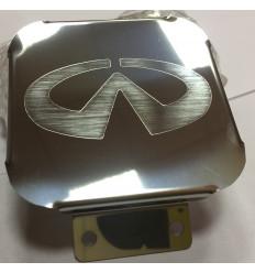 Заглушка на фаркоп с логотипом Infiniti