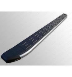 Пороги алюминиевые с пластиковой накладкой (карбон серебро) на Geely Emgrand X7 GEELEMGX715-17SL