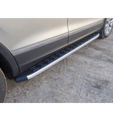 Пороги алюминиевые с пластиковой накладкой на Volkswagen Tiguan VWTIG17-16AL