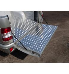 Защитный алюминиевый вкладыш в кузов автомобиля (борт) на УАЗ Патриот UAZPIC2016-02