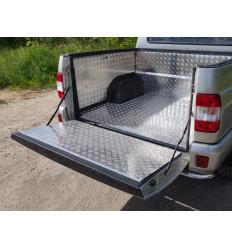 Защитный алюминиевый вкладыш в кузов автомобиля на пластик (борт) на УАЗ Патриот UAZPIC2016-05