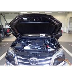 Амортизатор (упор) капота на Toyota Fortuner KU-TY-FT02-00