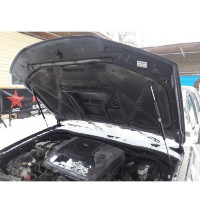 Амортизатор (упор) капота на Toyota Hilux 15-02