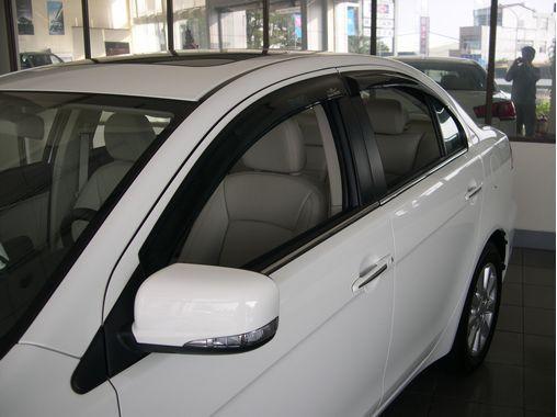 ветровики Mitsubishi